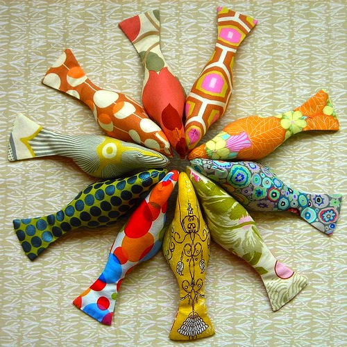 Diy Toys: DIY: Over 30 Different Cat Toys To Sew, Knit, Crochet, Or